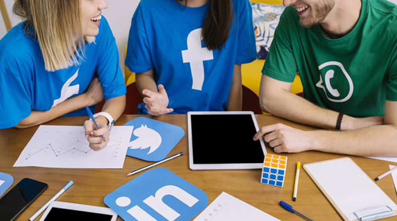 Contacto Ayuda Redes Sociales